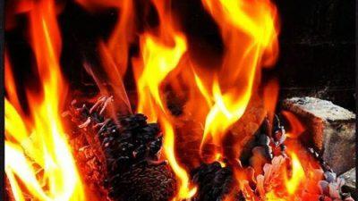 Feuer im Flammkuchenofen