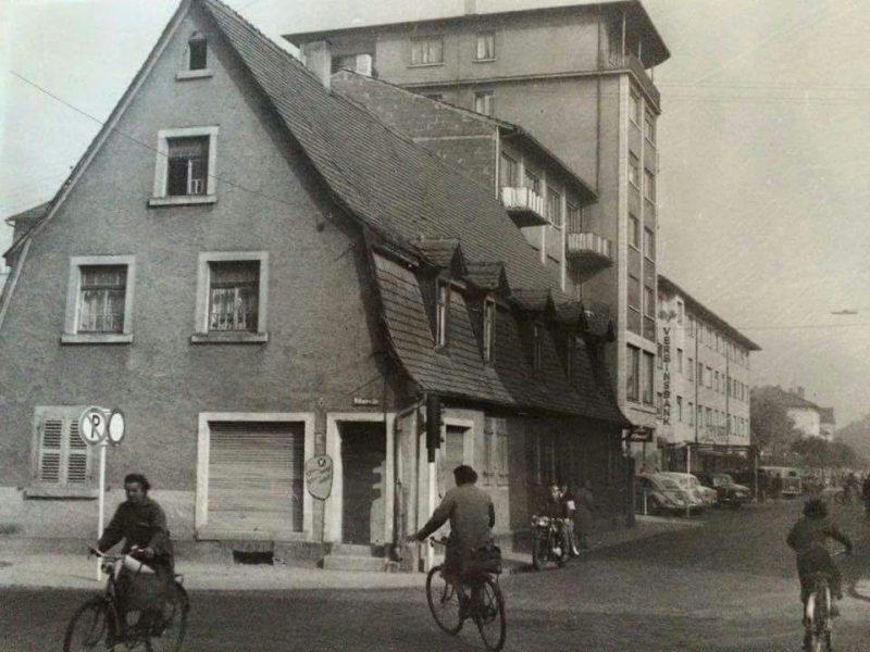 Kaiserstrasse im Hintergrund Kino Rex edinger-maerkte