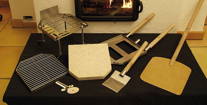 Pizza Casa: Ofeneinsatz-Set für Pizza aus dem Kaminofen von Freiluftküche